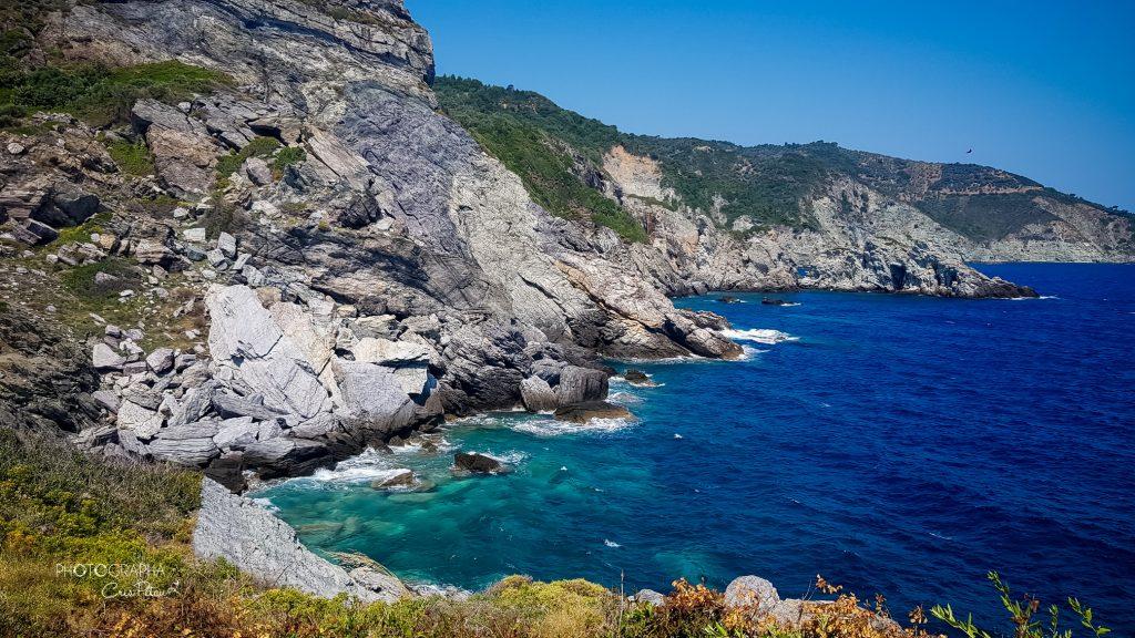 Coasta de la Agios Ioannis, insula Skopelos