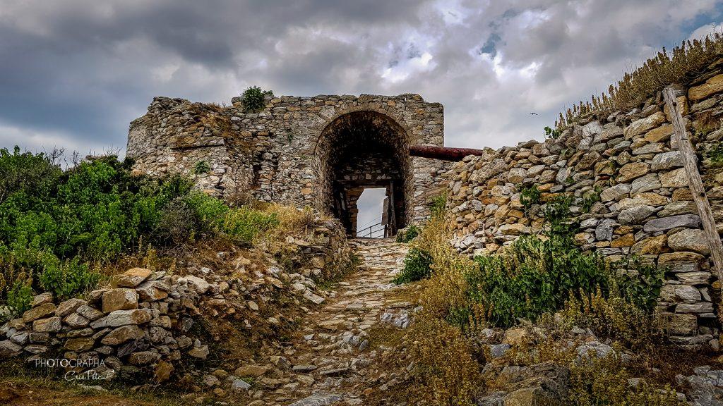 Fortificaţia Kastro - poarta de acces