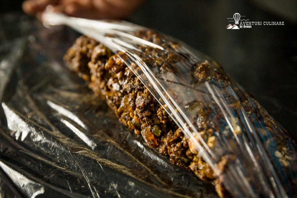 Salam de biscuiți - pregătit de răsucire