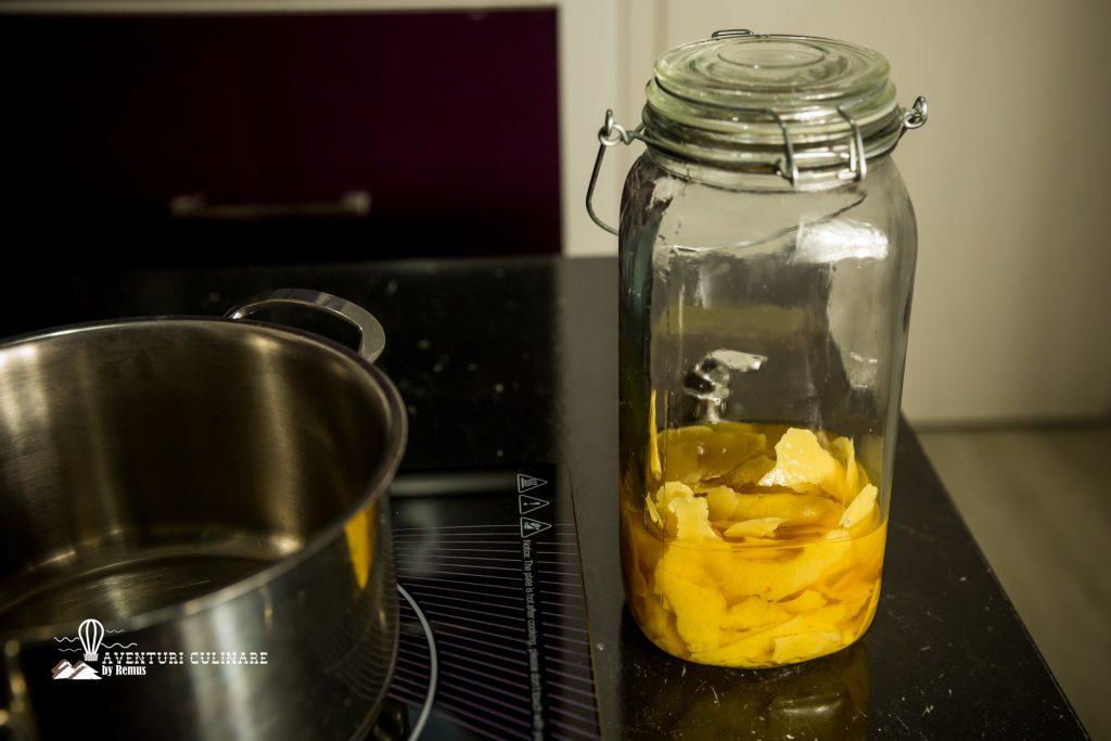 Coji de lamaie in alcool - reteta limoncello