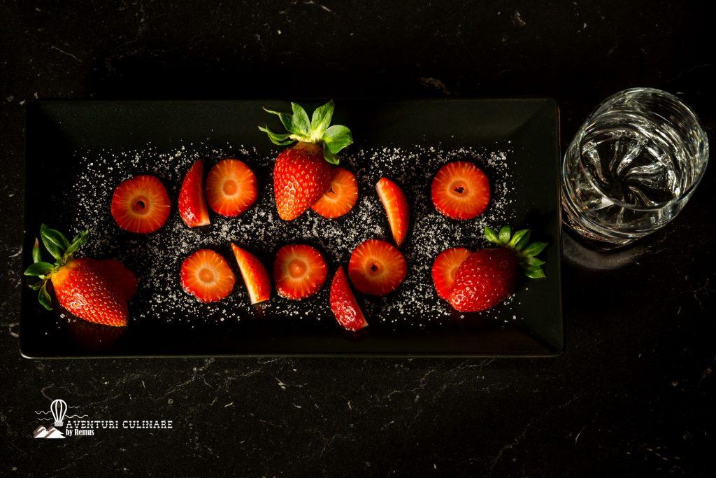 Ingrediente căpșunată (lichior de căpșune)