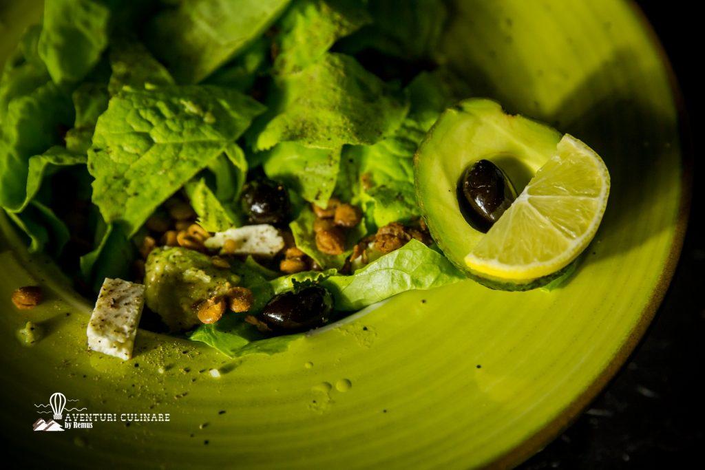 Salata cu linte si avocado